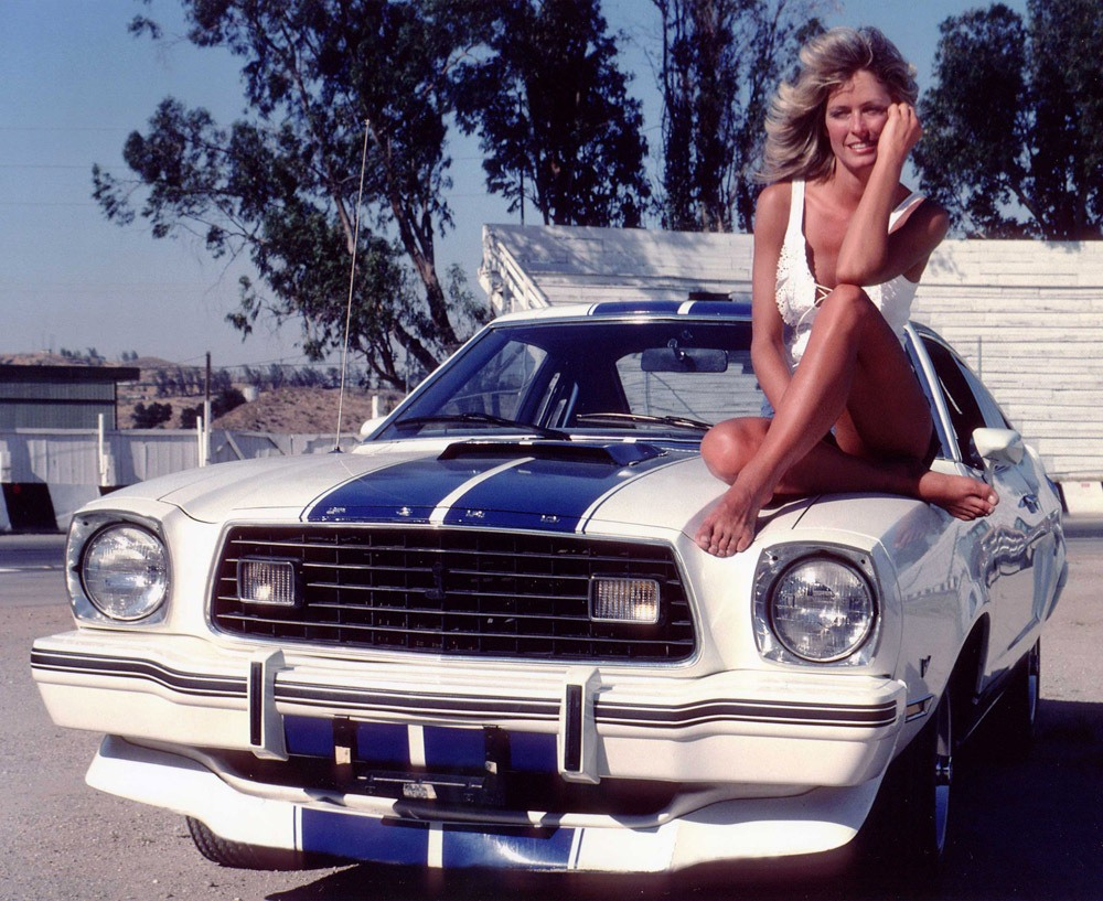 http://autoinjected.files.wordpress.com/2011/12/farah-fawcett-jill-munroe-charlie-angels-mustang-cobra-ii.jpg